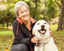"""Tierische Verantwortung: Der Hund als """"Lebenspartner"""" im Alter"""