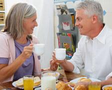 Das erste Treffen: So vermeiden Sie unangenehme Schweigeminuten