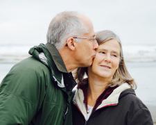 Neue Liebe und gemeinsame Wohnung – Zusammenziehen mit über 50