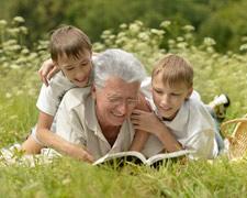 Opa und Oma als Zweiteltern: So funktioniert es